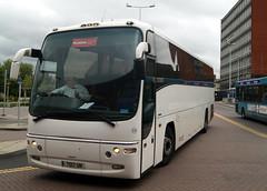 Battersby Silver Grey 938 7017UN (YN06MXD) Volvo B12B Plaxton Panther (chrisbell50000) Tags: bus station silver grey volvo coach cheshire chester deck single panther decker plaxton battersby 938 b12b 7017un chrisbellphotocom yn06mxd