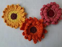 Gerbera Necklace Pattern (The Little Treasures) Tags: flowers crochet gerbera crochetedflowers crochetednecklace phototutorial pdfpattern pdfcrochetpattern thelittletreasuresblog