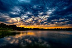 Das letzte Licht vor dem Sturm (radonracer) Tags: wolken nrw gewitter dunkle abendrot sturm abendstimmung niederrhein unwetter