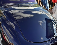 2016-10-01: Cloud View (psyxjaw) Tags: london londonist vintage festival classic car boot sale classiccar kingscross shopping lewiscubitsquare reflection