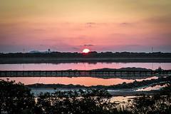 amaneciendo y crucero pasando (ibzsierra) Tags: ibiza eivissa baleares canon 7d amanecer alba dawn sunrise salinas estanque crucero cielo rojo amarilla 24105isusm