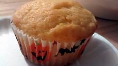 Corn Muffin. (dccradio) Tags: lumberton nc northcarolina robesoncounty food eat supper dinner meal halloween jackolantern bat cupcake cornmuffin muffin cornbreadmuffin