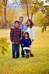 Family of 5 (KarinaSchuh) Tags: alamogordo boy colors fallportraits family familysession girls individuals newmexico newmexicophotographer oterocounty outdoor outdoorphotographer outdoorportraiture portraiture ranch trees dad fall2016 mom siblings