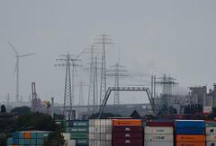 Regentag (Andreas Meese) Tags: hamburg hafen wilhelmsburg nikon d5100 kran krne crane cranes regen rain rainy regentag wolken clouds wolkig cloudy