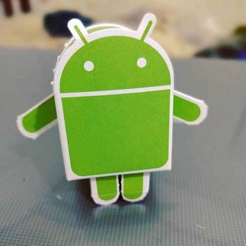 New buddy #android #Robot #DIY #Cardboard #Google #DevFest #GDG #GDGLK #LenseBlur