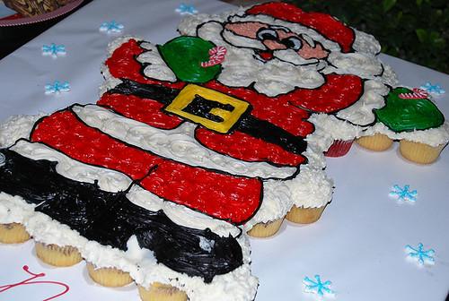 344-polkatots cupcake cakes