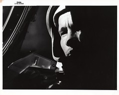 g04_v_bw_o_n (S-65-30548) (apollo_4ever) Tags: rocketman gtiv geminititan maninspace apolloastronaut mannedspaceflight edwardwhiteii geminicockpit extravehicularactivity jamesmcdivitt edwardhwhite glossyphoto earthorbit spacewalk projectgemini nasaastronaut geminiastronaut spacewalker eva edwardwhite gemini4 geminicapsule geminiprogram geminiiv edwhite