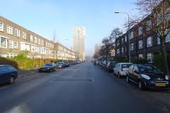 20161204 01 Groningen - E. Thomassen à Thuessinklaan (jack_of_hearts_398) Tags: 2016 winter nederland netherlands niederlande groningen stad e thomassen à thuessinklaan woontoren wielewaalplein bike city country