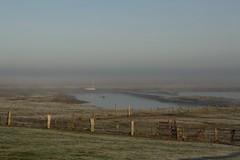 Heute Morgen war Grde ganz verzaubert (im_fluss) Tags: hallig grde nordsee morgenstimmung dezember morningmood reif hoarfrost wiese boot meadow boat fences
