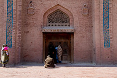 Peer through II (UJMi) Tags: multan pakistan punjab travel culture history religion islam sufi saint saints mausoleum