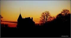 Toute fin d'après midi (Dominique Dufour) Tags: coucherdesoleil château silhouette contrejour couleurs ciel crépuscule dominiquedufourphotos dominiquedufourflickr fujis5pro