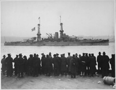 "#""The USS Arizona passing 96th Street Pier in great naval review at New York City."", 1918 [3000 × 2325] #history #retro #vintage #dh #HistoryPorn http://ift.tt/2gU7Efr (Histolines) Tags: histolines history timeline retro vinatage theussarizonapassing96thstreetpieringreatnavalreviewatnewyorkcity 1918 3000 × 2325 vintage dh historyporn httpifttt2gu7efr"