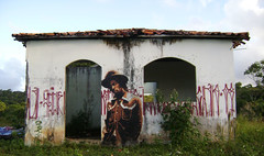 (izolag) Tags: street brazil urban art rio brasil de graffiti stencil king arte bahia rua gregory reggae 2009 icone grafite itacar izolag isacs itacarecasanamata issaacs