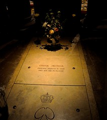 Final Resting Place - Princess Grace - Monaco (Photography By Laurice Marier) Tags: flowers church princess tomb royal peaceful grace monaco final restingplace kelly marble alter princespalace