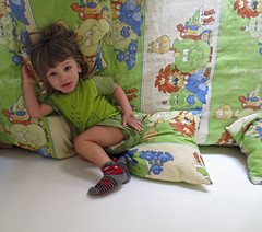 2013.05.24 (maximorgana) Tags: elephant green bird cars smiling animal socks hair long lion blond crocodile giraffe hippo lying cushion juanjo pyjamas juanjose colorinchi