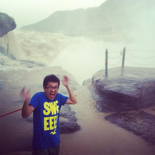 被黄河射湿的少年 @ 黄河壶口瀑布