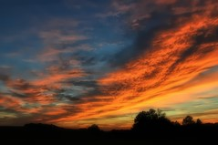10-28-13 Wicked Sunset in Woodsboro, MD (Forsaken Fotos) Tags: sunset hotairballoon tailwindsoverfrederick