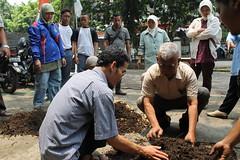Pelatihan Kompos Rumah Tangga 28 September 13 LPTT67 (LPTT - Bandung Green and Clean) Tags: dedi sampah kompos lptt takakura