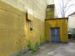 Hochbunker Bremen (2012) - Friedrich-Karl-strasse (Wattman (trams, treinen, etc)) Tags: bunker bremen flak coldwar secondworldwar airraidshelter hochbunker luftschutzbunker luftschutz