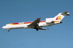 EC-DDZ Iberia Boeing 727-256Adv  Athens 05/04/2000 (Tu154Dave) Tags: athens boeing iberia ath 727 727200 727256adv ecddz