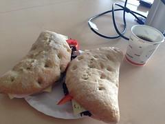 Frukost/Lunch 13/6 (Atomeyes) Tags: mat trav kaffe ost skinka bjerke mackor