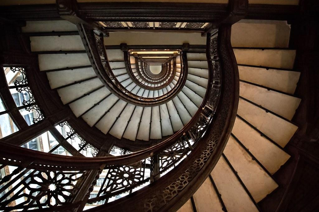Oriel Stairs In The Rookery (Alan Amati) Tags: Amati Alanamati America Art  Architecture
