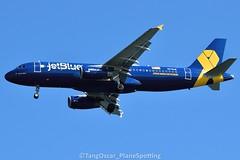 DSC_0579_849 (thokaty) Tags: n775jb airbus a320 a320232 jetblue kbos bostonloganairport castleisland pleasurebay vetsinblue eis2009 sju