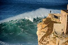 FAROLO DE NAZAR / 2085HJS (Rafael Gonzlez de Riancho (Lunada) / Rafa Rianch) Tags: olas waves ondas vagues nazar water surf surfing portugal mar sea deportes sports