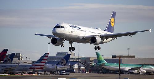 D-AIZJ | Lufthansa | Airbus A320-214 | CN 4449 | Built 2010 | EIDW 30/09/2016