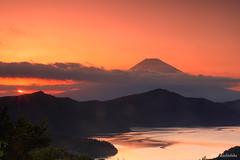FUJISAN from Hakone (koshichiba) Tags: japan fujisan hakone daikanyama sunset landscape orange nature mtfuji lea nd lake fujiyama ashinoko