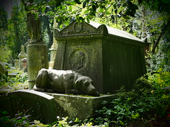 London 2016 (hunbille) Tags: thomas sayers thomassayers tomb dog highgate cemetery highgatecemetery westcemetery west london grave graves buried cy2
