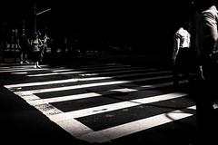 Les Chemises Blanches (LoKee Photo) Tags: crowd lokee lowkey newyork noiretblanc blackandwhite street urban light shadow fuji x100s