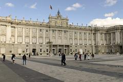 Palacio Real Madrid Square (rschnaible) Tags: palacio real madrid palace government building architecture history historic spain