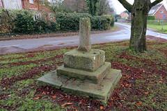 Rowston Village Cross (Richard Brothwell) Tags: rowston lincolnshire uk england canoneos70d richardbrothwell canon70d cross canonefs1022mmf3545usm efs1022mmf3545usm villagecross