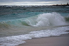 Churning Lake Michigan (smiles7) Tags: lakemichigan waves 3662016