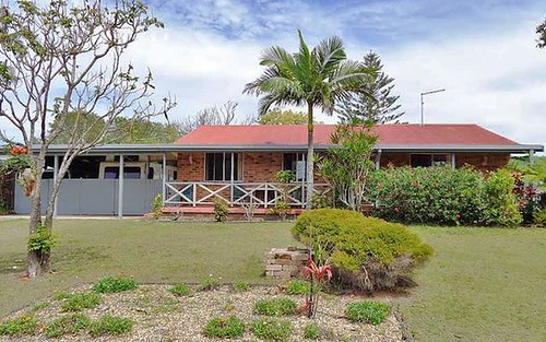 8 Ballanda Crescent, Iluka NSW 2466