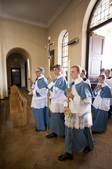 Processing into Mass (pchidell) Tags: uk pope home church water statue feast canon day catholic traditional stpaul altar blessing holy virgin dome priest procession tradition reverence mass martyr congregation gospel incense romancatholic stpeter blessedsacrament wirral relic feastday vestments consecration holywater transubstantiation eucharist amaury xvi popebenedict popebenedictxvi biretta holymass highaltar asperges philomena altarserver saintphilomena tridentine 2013 stphilomena altarservers 11august tridentinerite michaelhaynes extraordinaryform shrinechurch domeofhome virginandmartyr monjean philipchidell canonamaurymontjean sspeterpaulandphilomena 11august2013 canonmontjean amaurymontjean feastdayofstphilomena feastofstphilomena stphilomenafeastday stphilomenafeast priestlyvestments altarservervestments statueofstphilomena relicofstphilomena
