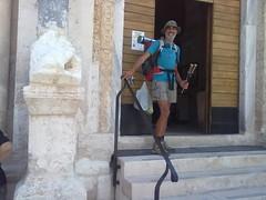 """eccomi, sempre all'ingresso della Basilica di Siponto (FG), ringrazio nuovamente di cuore Francesco Santamaria e la sua splendida famiglia, eccomi, ce l'ho fatta! Ho fatto tutto il Cammino, il """"mio"""". Grazie Signore! Gloria a Dio! Alleluia! 15/8/13"""