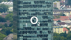 O2 Munich (Miradortigre) Tags: building tower architecture skyscraper germany munich deutschland arquitectura torre alemania munchen architettura architecte  contemporanea rascacielo architekture  architetto contemporaine