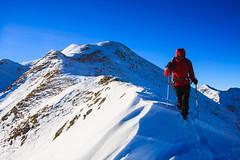 Si Scende nel Vento (Roveclimb) Tags: mountain snow alps hiking ridge neve alpi montagna cresta arete naro bregagno arista escursionismo gallio menaggio altolario
