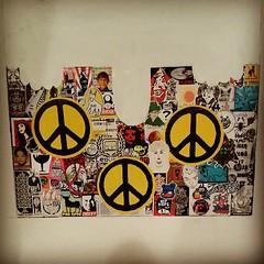 335/365 (2013) (Stelleconfuse) Tags: italy streetart sticker stickerart italia peace pisa pace atomic nowar combo kilroywashere plantatree meltingpop stelleconfuse combosticker stickonharing meltingpotmeltingpop