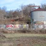 "Graffiti + Silo <a style=""margin-left:10px; font-size:0.8em;"" href=""http://www.flickr.com/photos/14315427@N00/11919172475/"" target=""_blank"">@flickr</a>"