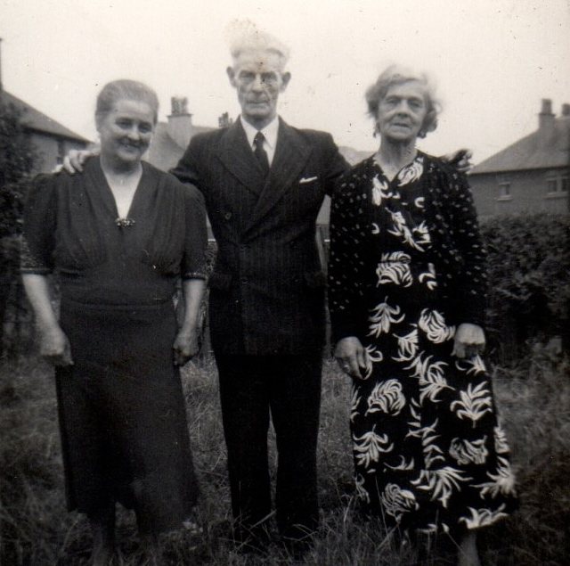 Margaret, Frank and Carrie Reynolds 1950s
