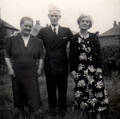Image titled Margaret, Frank and Carrie Reynolds 1950s