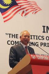 """Perasmian Forum Antarabangsa """"Global Moderation"""" Bersempana Dengan Perhimpunan Agung UMNO Tahun 2013"""