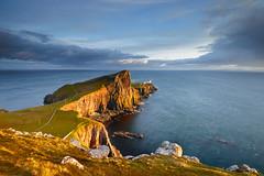 Neist Point (Simone Angelucci) Tags: light skye faro isleofskye goldenhour scogliera scozia nestpoint