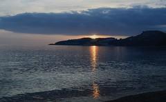 Luz de Sol (Toms Hornos) Tags: luz sol sun mar sea beach almucar costatropical playa sunset atardecer puestadesol