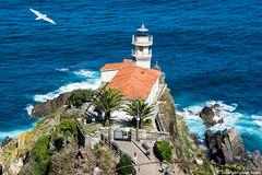 Faro de Cudillero (cvielba) Tags: puebloconencanto acantilados asturias cudillero faro