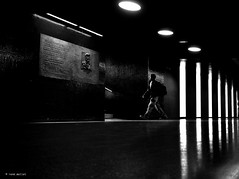 two heroes (Ren Mollet) Tags: aarau man mainstation underground unterfhrung street streetphotography silhouette light heroes renmollet penf bw monchrom step