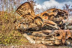 gestapelt (Norbert Helbig) Tags: schrott wrack nikon d7200 outdoor auto automobil verkehr technik fahrzeuge